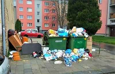 Ostrava vyhlašuje válku černým skládkám u kontejnerů