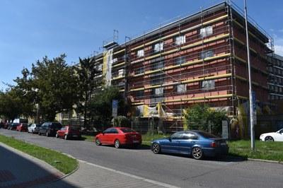 Radnice pokračuje v zateplování bytových domů