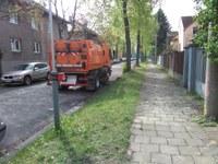 Výzva k dodržování dopravního značení zákazu parkování